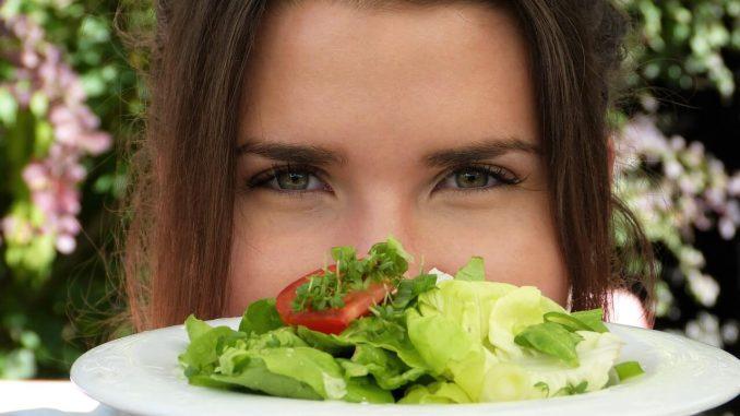 dietetyka -sałatka